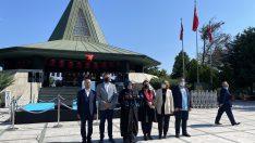 AK Parti, Merhum Başbakan Adnan Menderes'i kabri başında ve 81 ilde andı
