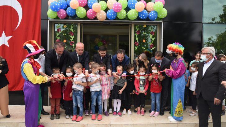 Balıkesir'in ilk bebek ve çocuk kütüphanesi açıldı