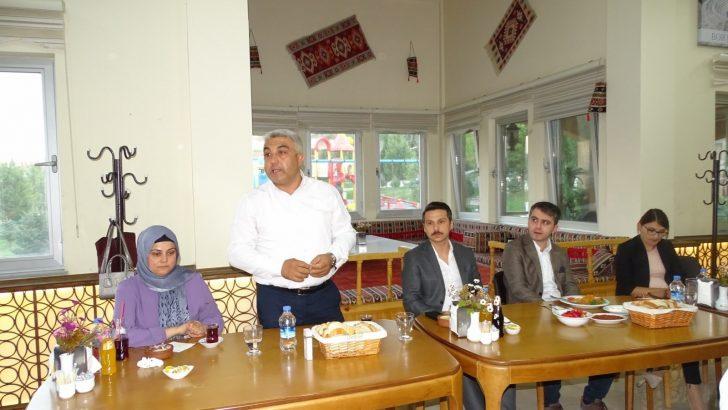 Başkan Çalışkan'dan Kaymakam Karadağ'a veda yemeği