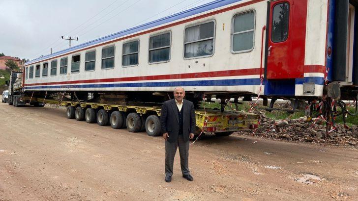 Bin 500 rakımlı yaylada tren vagonları