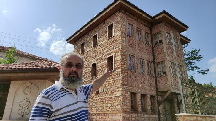 Bu köye gelen misafirler milyonluk konakta ücretsiz kalıyor