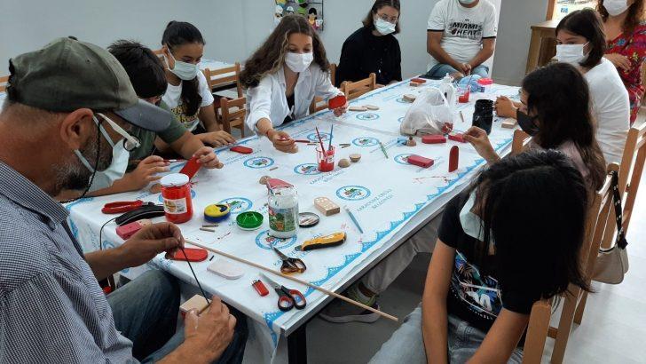 Çocuklar Oyuncak Evi'nde hem öğreniyor hem eğleniyor