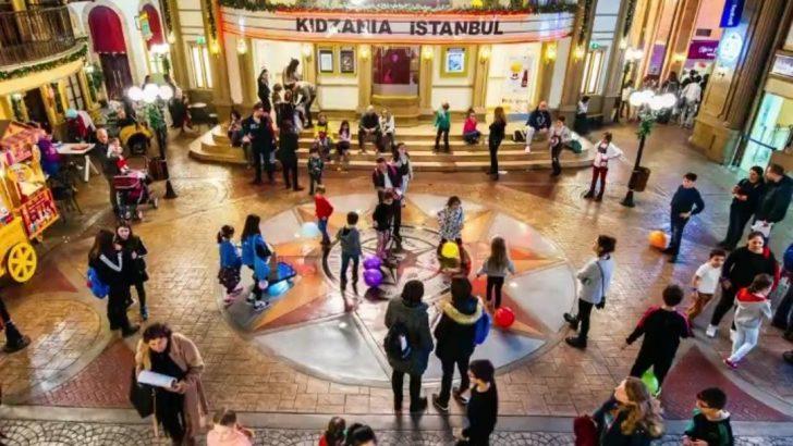 Çocuklar Ülkesi eğlenceye yeni eğitim döneminde yeni saatleriyle devam ediyor