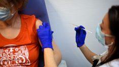 Fransa'da Covid-19 aşısı olmayan yaklaşık 3 bin sağlık çalışanı işten uzaklaştırıldı