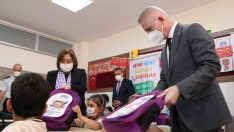 Gaziantep'te birinci sınıf öğrencilerine çanta ve kırtasiye dağıtıldı