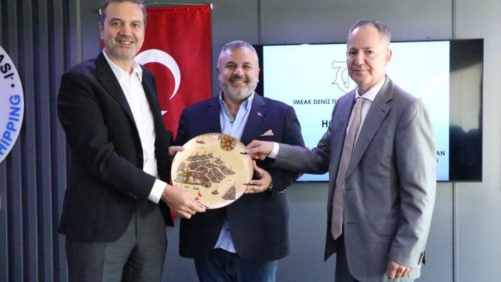 İMEAK Deniz Ticaret Odası Başkanı Tamer Kıran Aliağa'da üyelerle buluştu