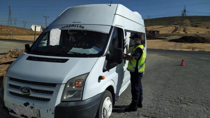 Jandarma ekipleri, okul servislerine yönelik denetim yaptı