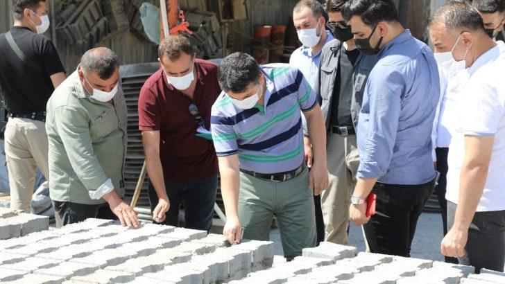 Kaymakam Tunç, beton parke ve boru üretim tesisinde incelemelerde bulundu
