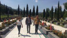 Kırkağaç ve Soma mezarlıkları yerinde incelendi