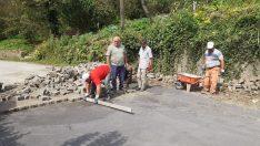 Sel felaketinde bozulan yollar onarılıyor
