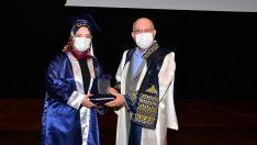 Uşak Üniversitesi Diş Hekimliği Fakültesi ilk mezunlarını verdi