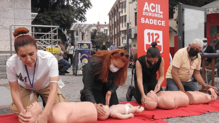 Vatandaşlara uygulamalı ilk yardım eğitimi