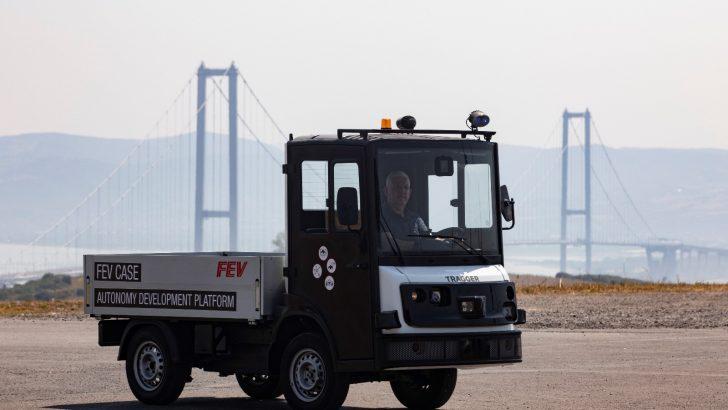 Yüzde 100 elektrikli yeni nesil hizmet aracı Tragger, sürücüsüz hale getiriliyor