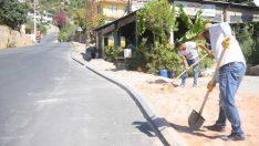 Alanya'da Çevre Yolundan Kurşunlu mevkii'ne kesintisiz kaldırım çalışması