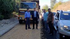 Sumbas'taki köy yollarında asfalt ve kilit parke çalışması