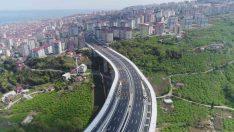 Türkiye'nin en maliyetli şehir içi yolları arasında gösterilen Kanuni Bulvarı'nda çalışmalar sürüyor