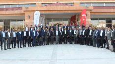 Van Büyükşehir Belediyesinin muhtarlarla buluşma toplantıları sona erdi